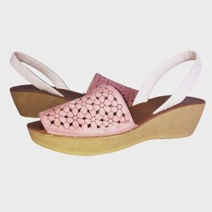 Kennetch Cole Reaction Platform Sandals